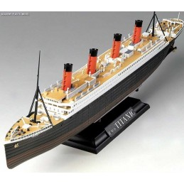 1:700 RMS TITANIC CENTENARY...